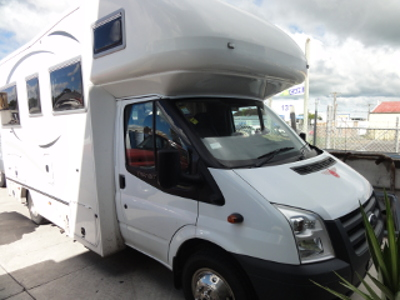 motor-home-frontview